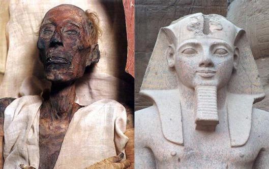 RamessesMummy-Statues